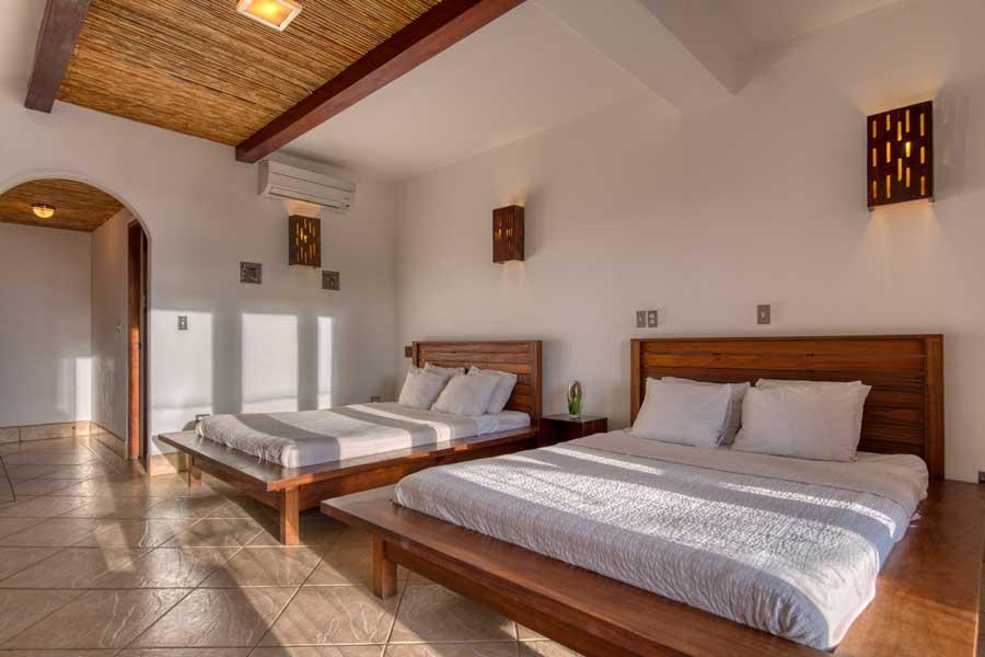 HotelAlcazarNicaragua-DoubleDeluxeRoom-10