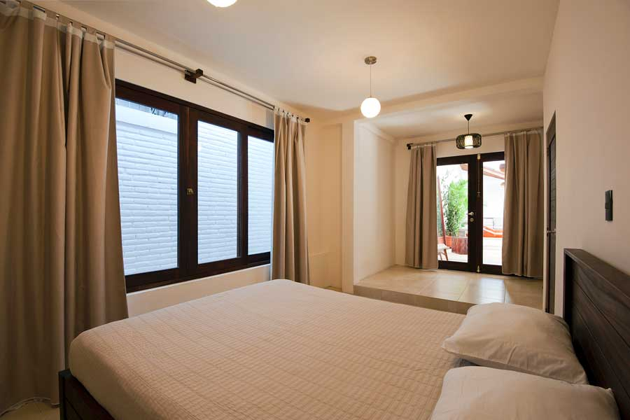 HotelAlcazarNicaragua-PoolSideRoom-2